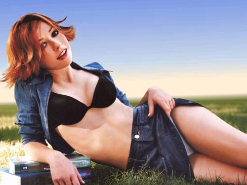 Alyson Hannigan, Looking Seductive. Is There Anything She Can't Do?