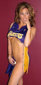 Sandi Taylor Likes basketballs.