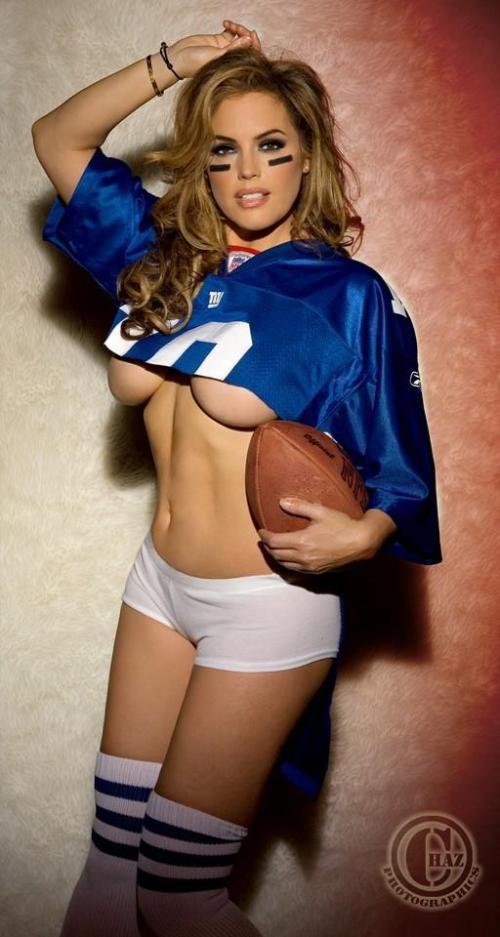 Sandra Likes Sports.