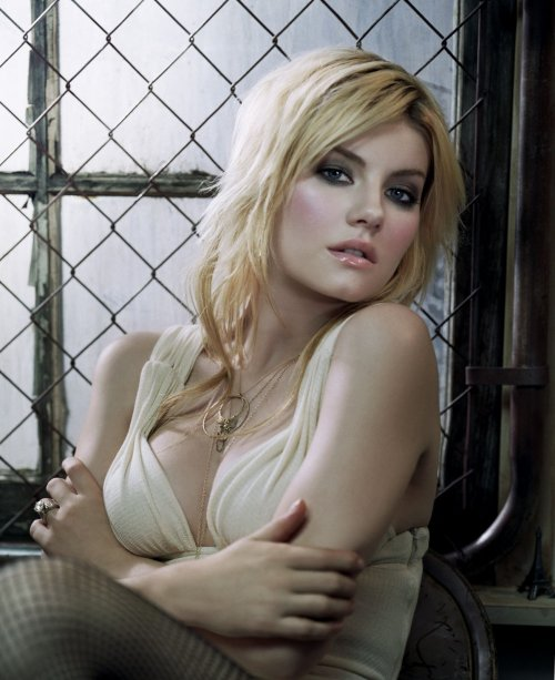 A little more Elisha Cuthbert. This is who Sean Avery refers to as Sloppy Seconds? He deserves to get suspended just for being an idiot. A serious, serious idiot.