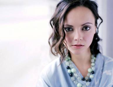 Again. Christina Ricci. Gorgeous. And those eyes! They just penetrate you. Seriously.