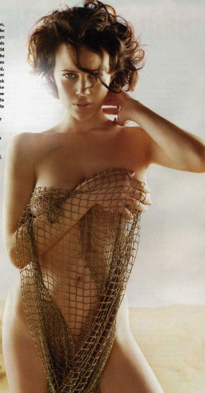 Carla Gugino and a Net.