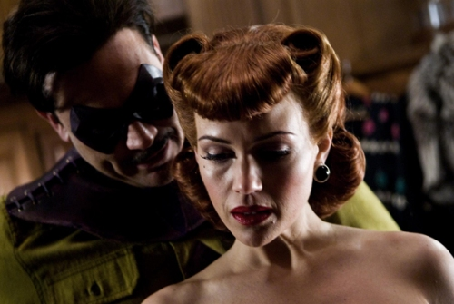 Carla Gugino as Sally Jupiter.