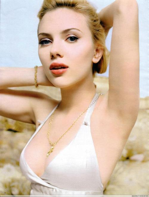 Scarlett Johansson Makes Love to the Camera.