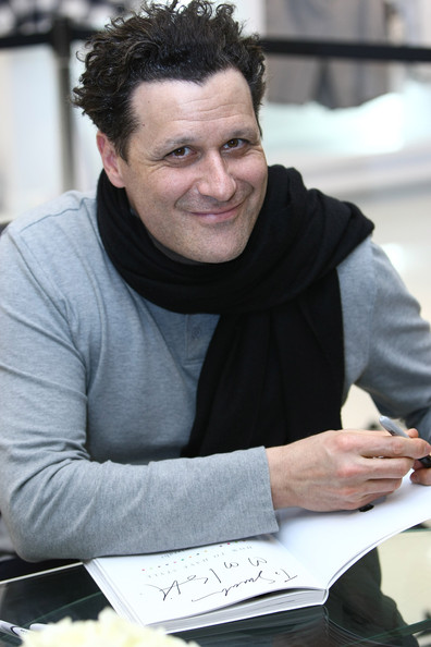 Isaac Mizrahi is So Stylish and Cool. Look at that scarf. With a turtle neck! Wow, if only I could be as cool as Isaac.