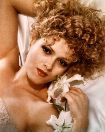 Bernadette Peters. Perpetually Gorgeous.